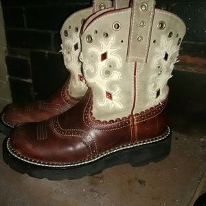 Ariet Fatbaby boots
